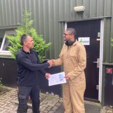 Kenneth behaald Flevodrome certificaat 'Draaien en frezen'